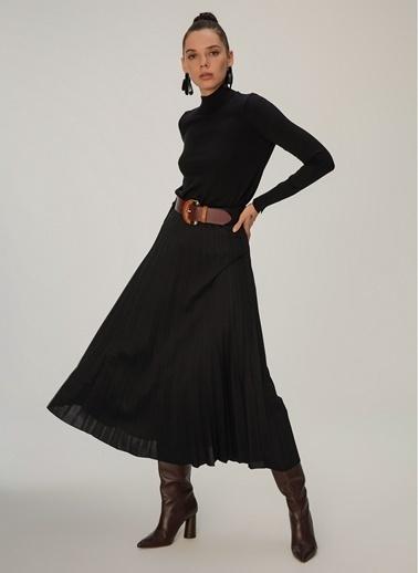 NGSTYLE Piliseli Uzun Etek Siyah